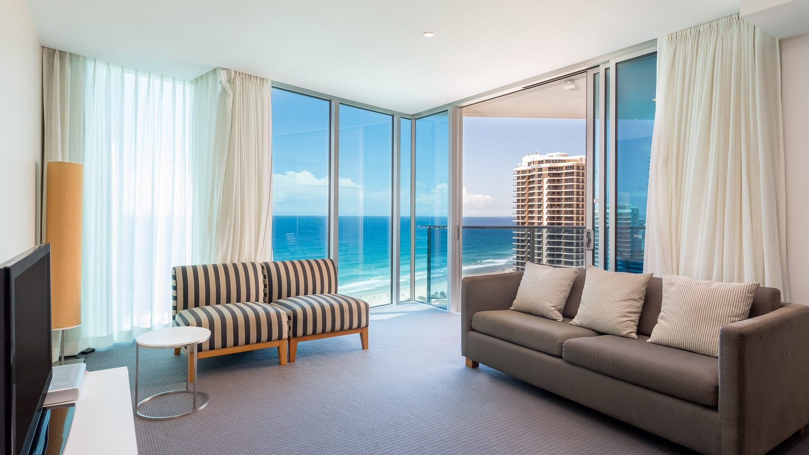 Holiday Holiday H-Residences Surfers Paradise above Hilton