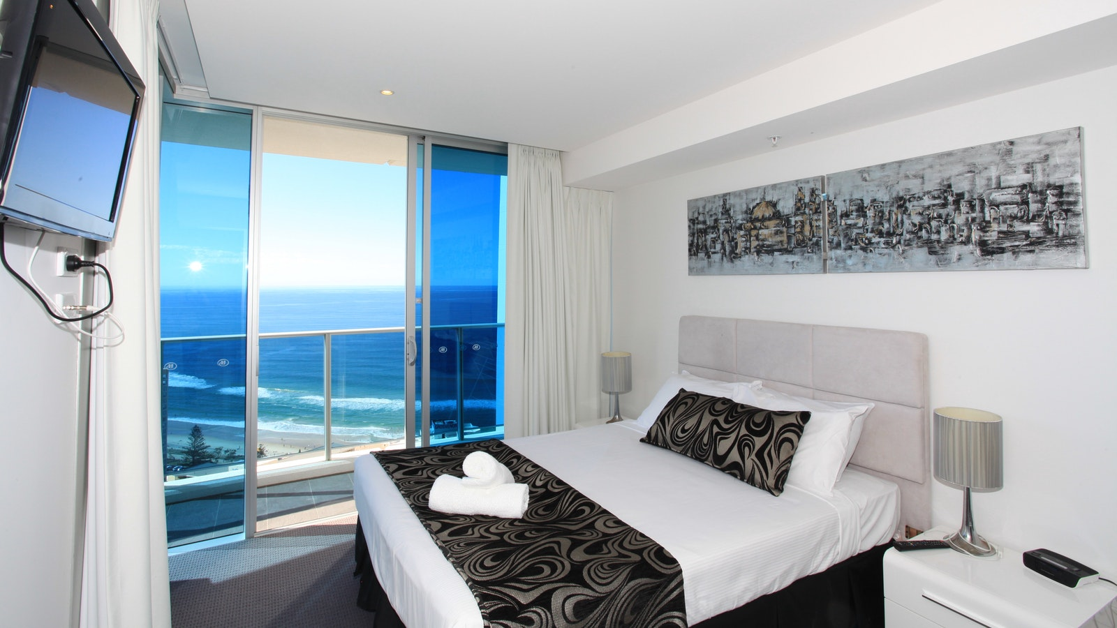Holiday Holiday - H Residences above Hilton Surfers Paradise main bedroom ocean view